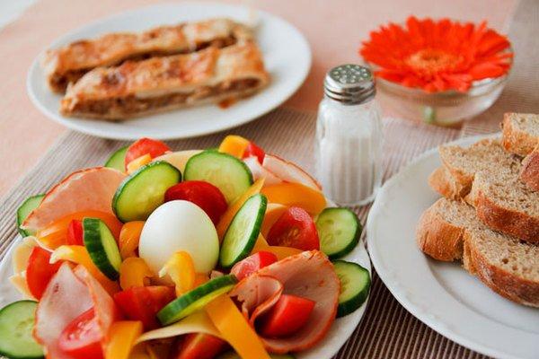 Colesterolo alto, curarsi con la dieta